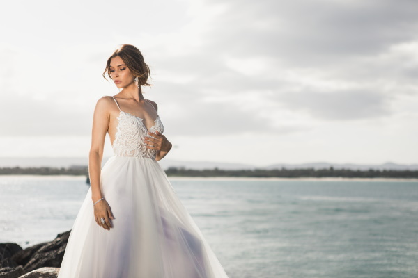 5 Ways to Bustle Your Wedding Dress